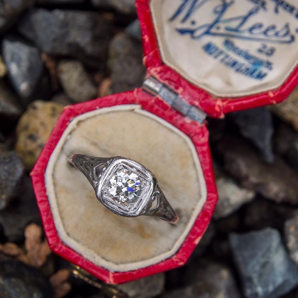 Late 1930's Antique Transitional Cut Diamond Filigree Ring Platinum