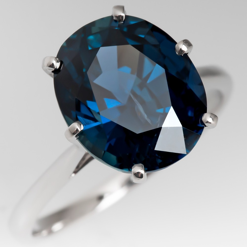 Blue Green Sapphire Cocktail Ring 5.55 Carats 18K White Gold