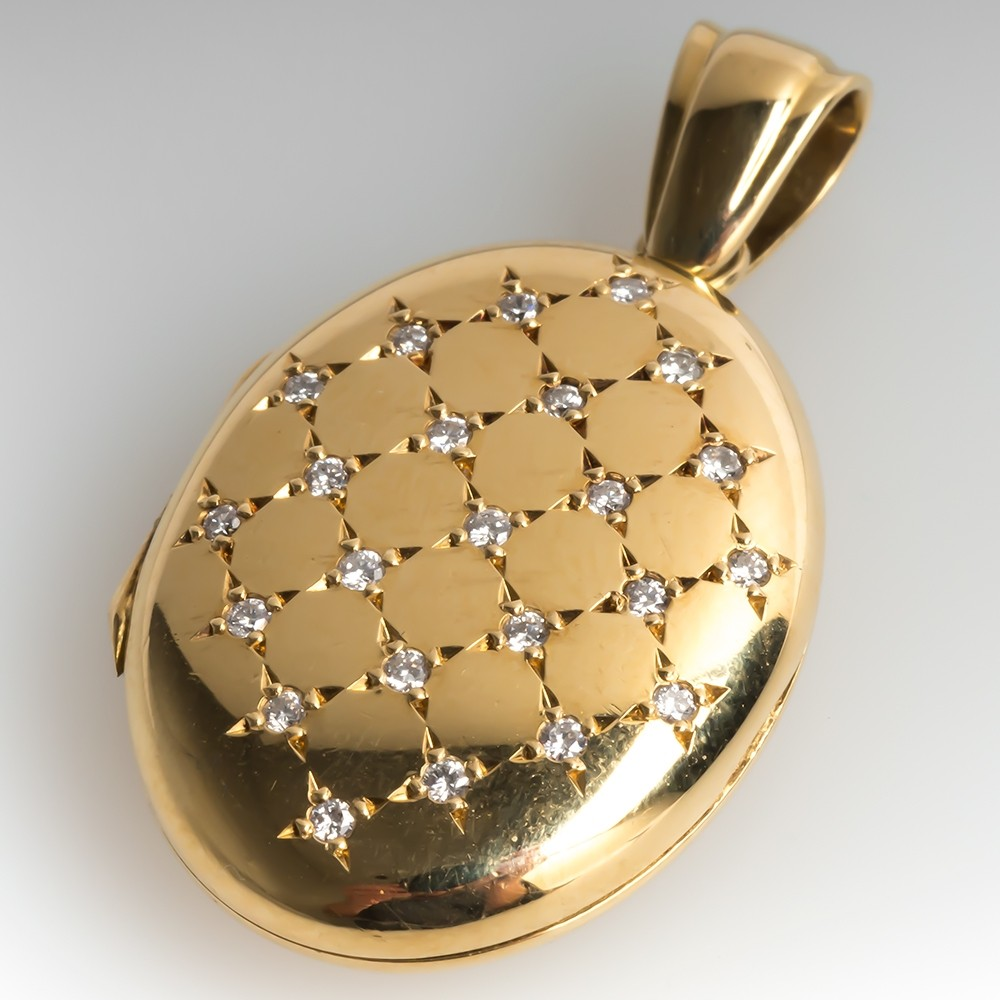 Beautiful Diamond Locket Pendant 18K Gold