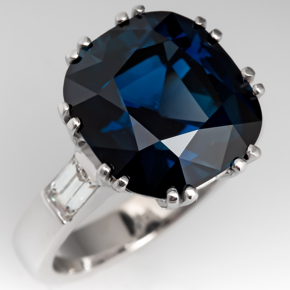 Magnificent 10 Carat Blue Green Sapphire Ring 18k White Gold