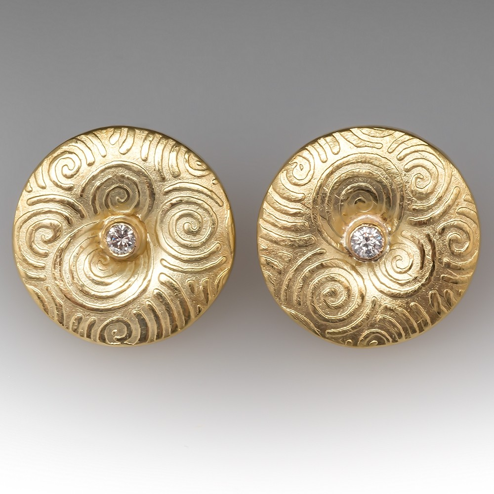 18K Gold Swirl Motif Diamond Earrings