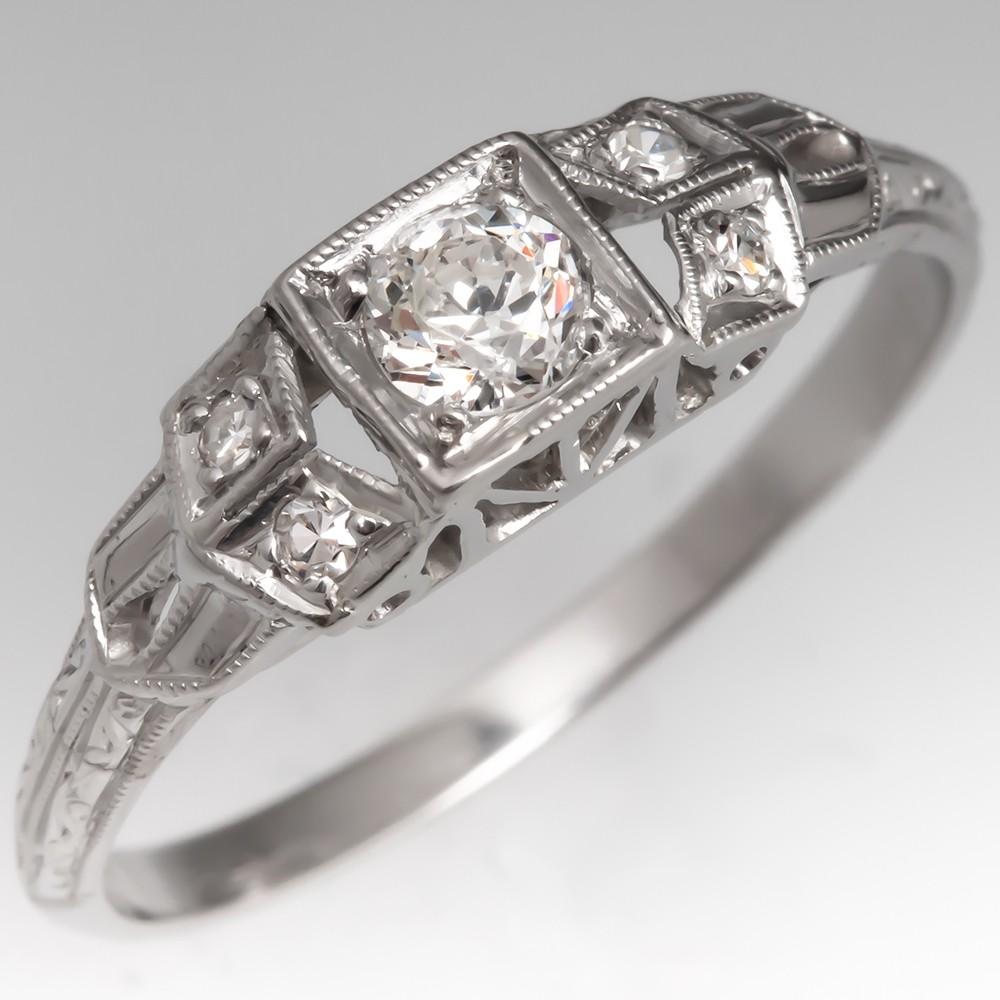 Pretty 1920's Antique Diamond Ring Platinum