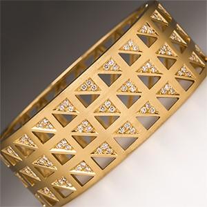Brazilian Design Cuff Bracelet w/ Diamonds in 18K Gold