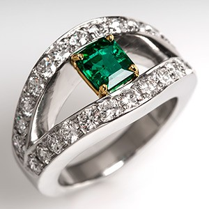 Muzo Colombian Emerald Ring