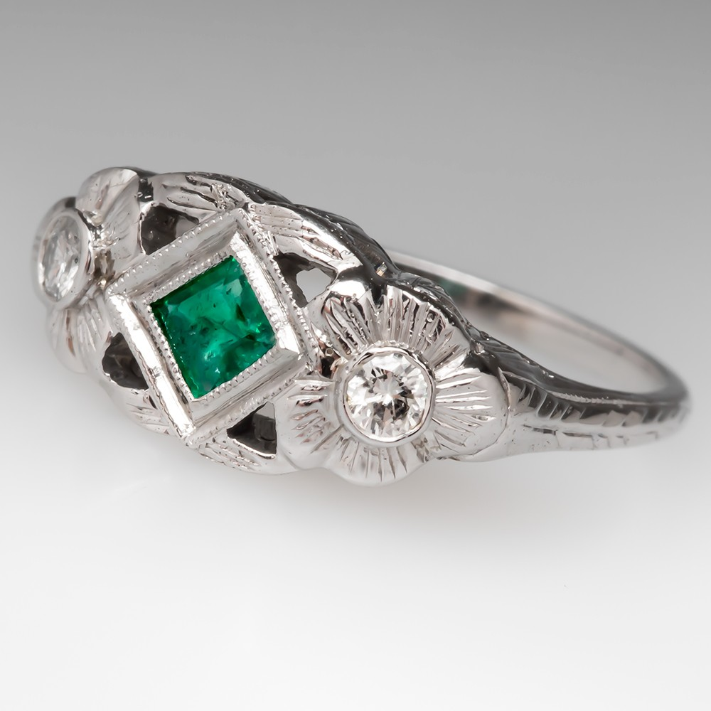 Belais Emerald Engagement Ring