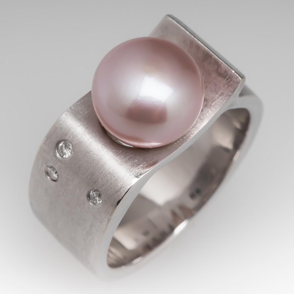 Ladies Pearl & Diamond Brushed 18K White Gold Ring