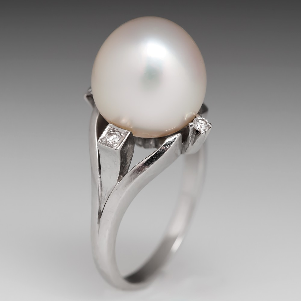 Retro Platinum Pearl Cocktail Ring