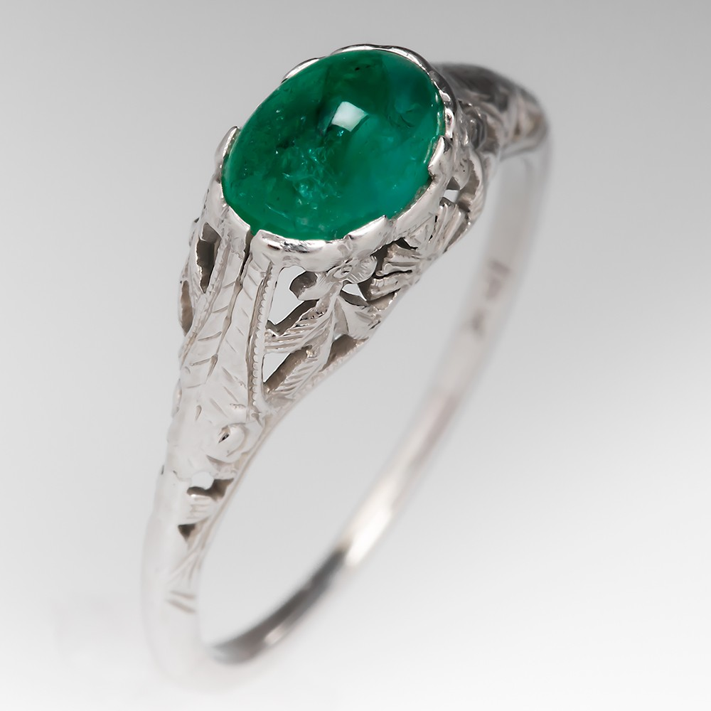 1930's Antique Emerald Cabochon Filigree Ring 18K