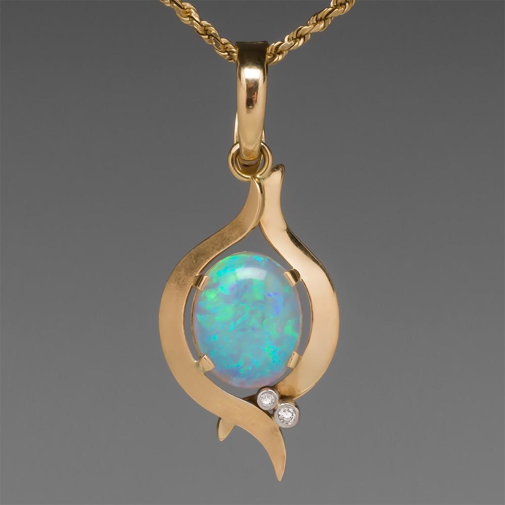Vintage Natural Crystal Opal Pendant 18K