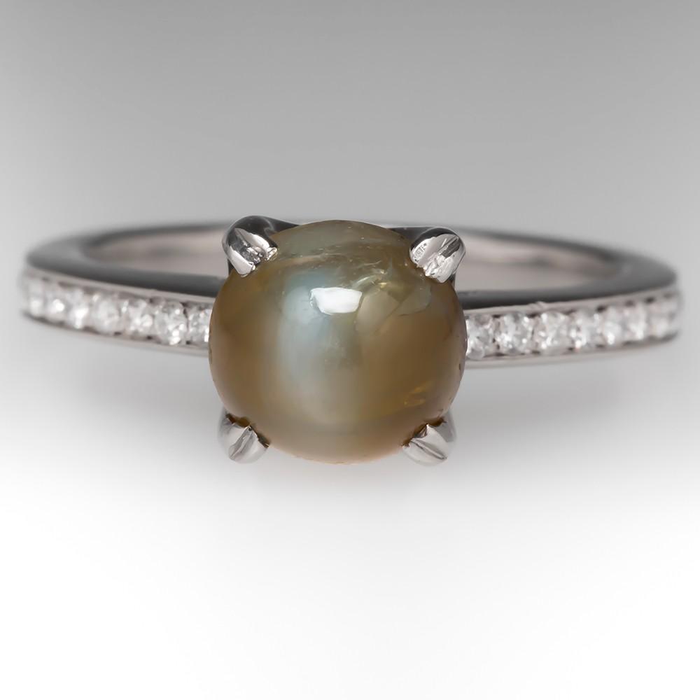 2.85 Carat Cat's Eye Chrysoberyl & Diamond Ring in Platinum