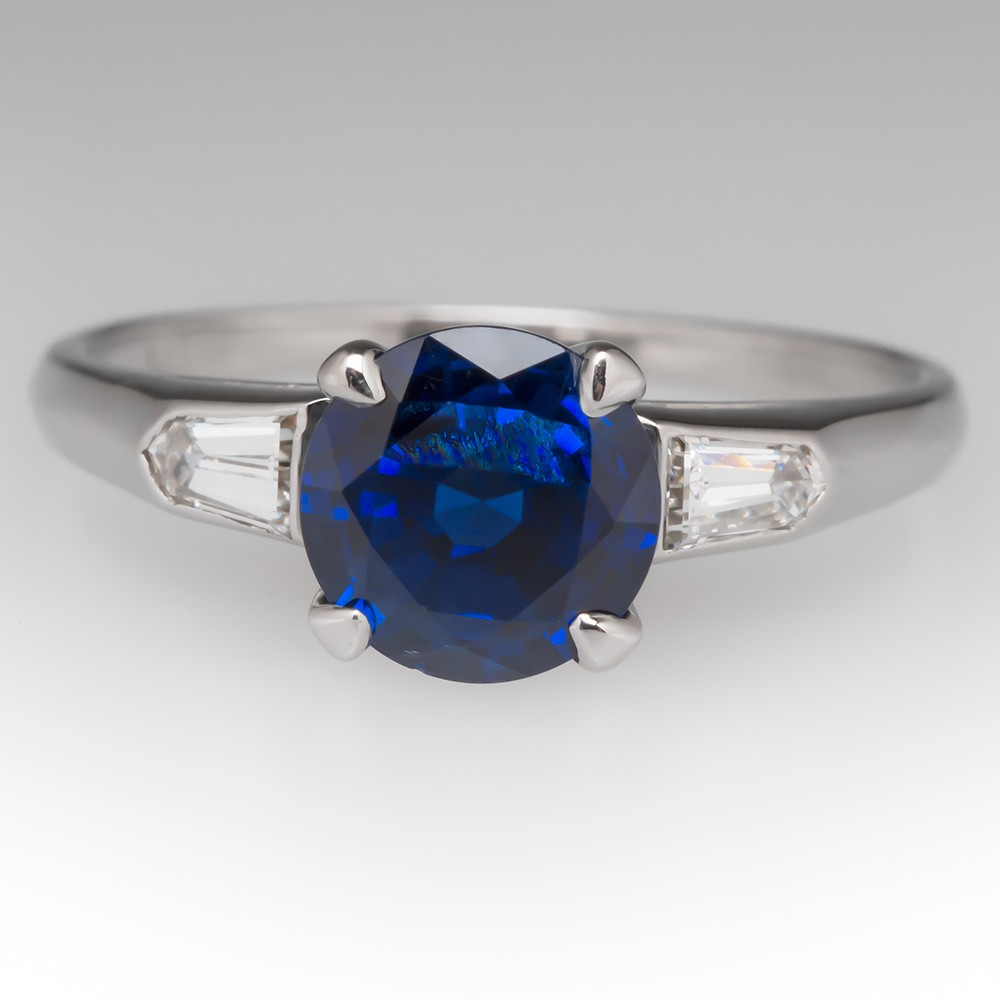 Vintage 1.55 Carat Blue Sapphire Ring in Platinum
