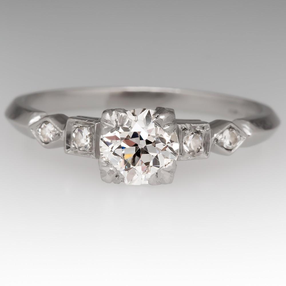 Beautiful 1920's Antique Diamond Engagement Ring in Platinum