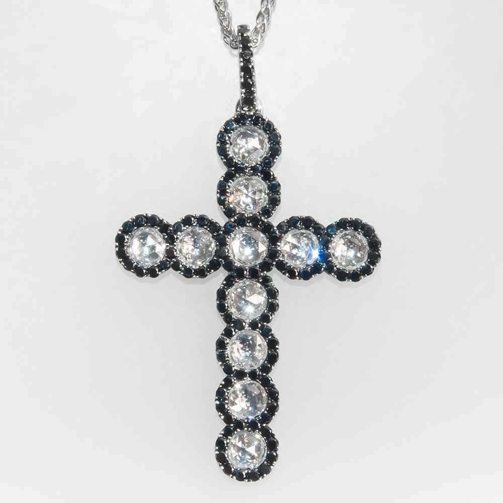 Spark Designer Diamond Cross Pendant Necklace 18K Gold