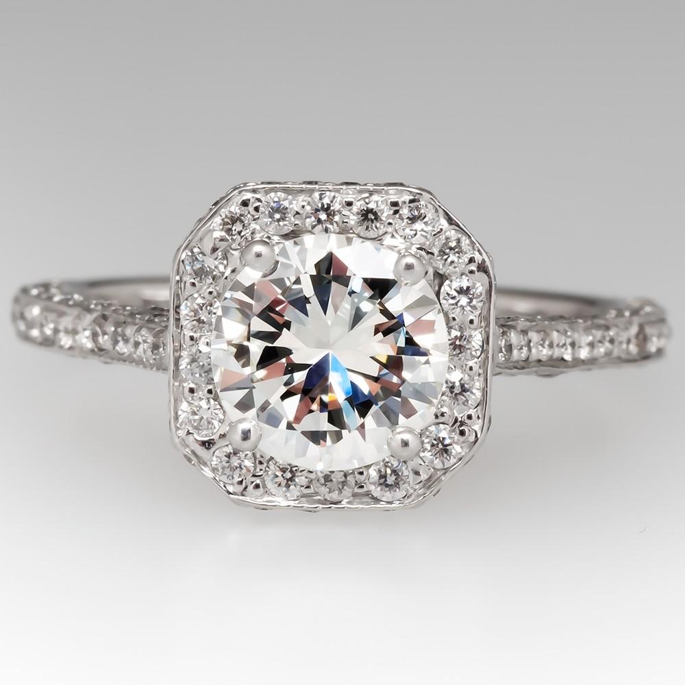 Round Brilliant Diamond Halo Engagement Ring 18K