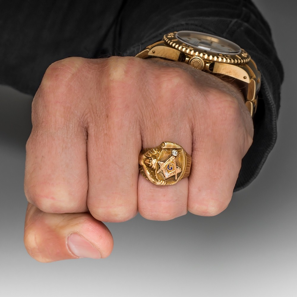 Antique Men's Masonic Ring w/ Diamond & Intricate Details