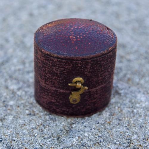 Burman 9 Wine St Bristol Ring Box
