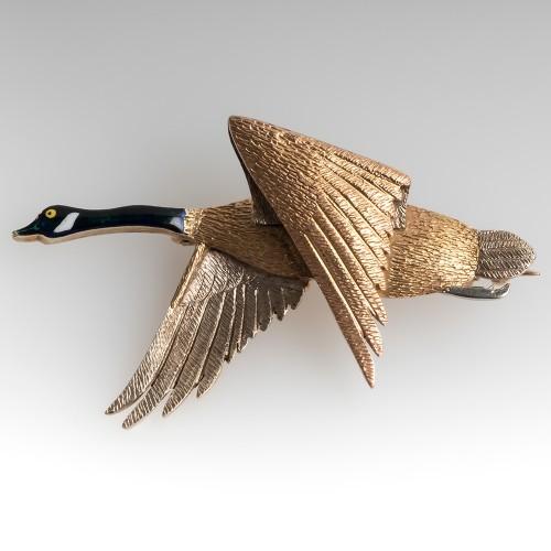 Vintage Canadian Goose Pendant 9 Karat Tri Color Gold Enamel