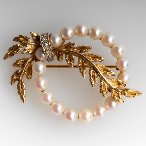 Vintage Pearl Christmas Wreath Pin w/ Diamonds 14K Medium Size