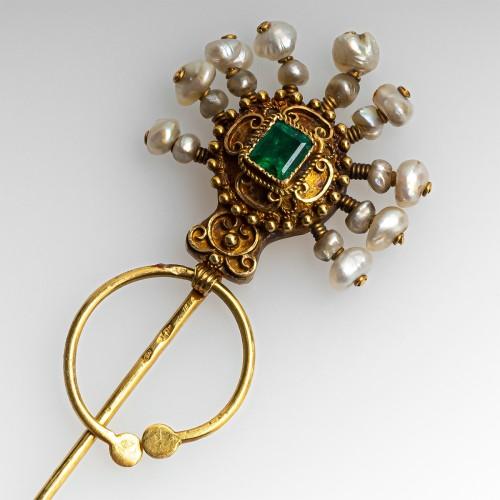 Vintage pin brooch