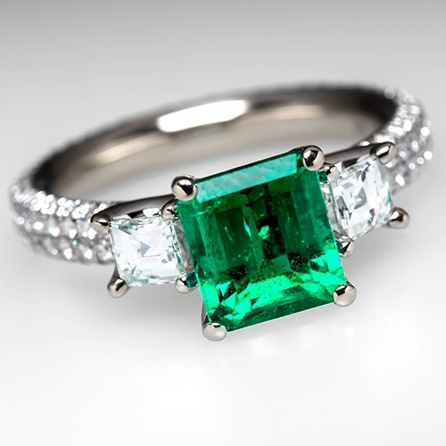 Emerald Rings & Jewelry May Birthstone