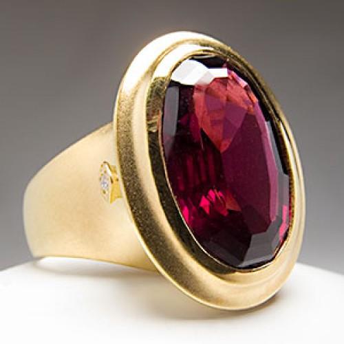 Seidengang Garnet Cocktail Ring
