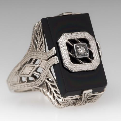 1950's Black Onyx & Diamond Filigree Detailed Ring 14K