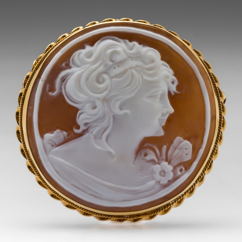 Vintage Detailed Round Shell Cameo Pendant Brooch Pin 14K