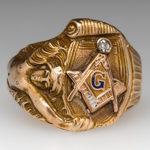 Antique Men's Masonic Ring w/ Diamond & Intricate Details